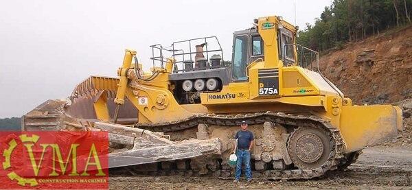 xe ui lon nhat the gioi la komatsu d575a - Xe ủi lớn nhất thế giới là Komatsu D575A